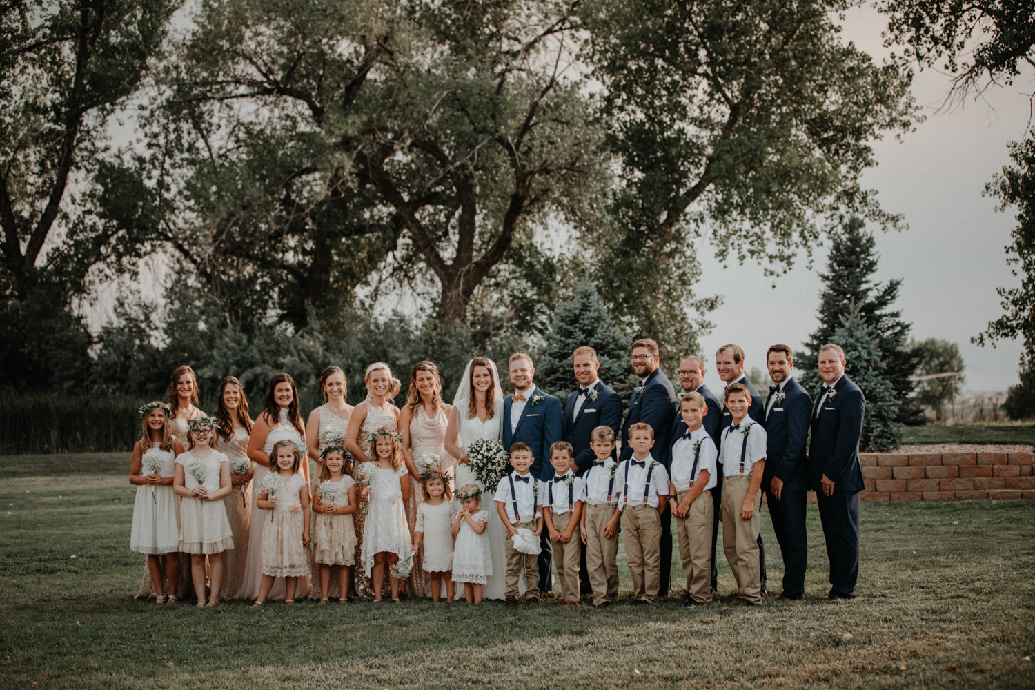 Tabitha Roth Hochzeitsfotografin Schweiz USA Colorado destination wedding outdoor Zeremonie Trauung bridal party