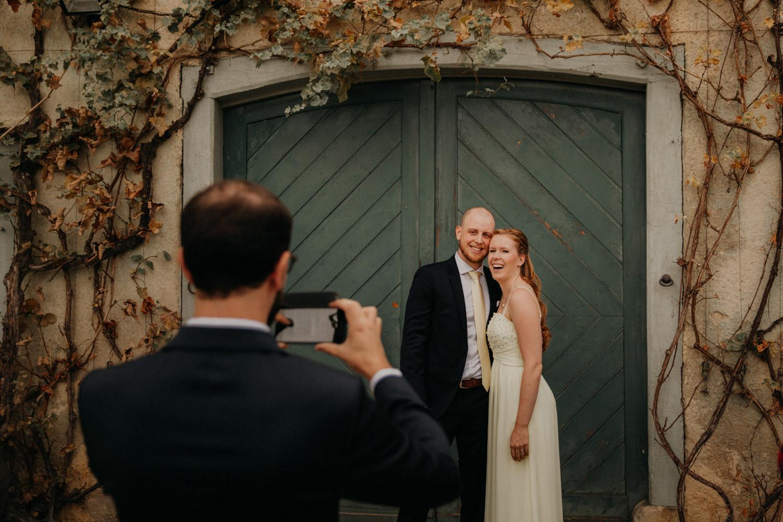 Hochzeitsfotografie Basel Schweiz Schloss Wildenstein Hochzeitsgäste Empfang