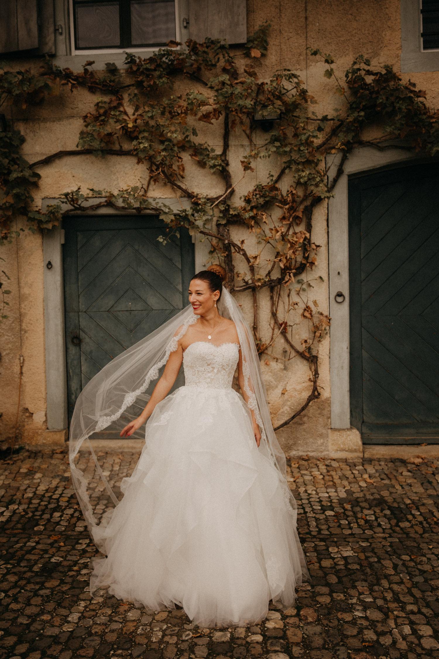 Hochzeitsfotografie Basel Schweiz Schloss Wildenstein Braut