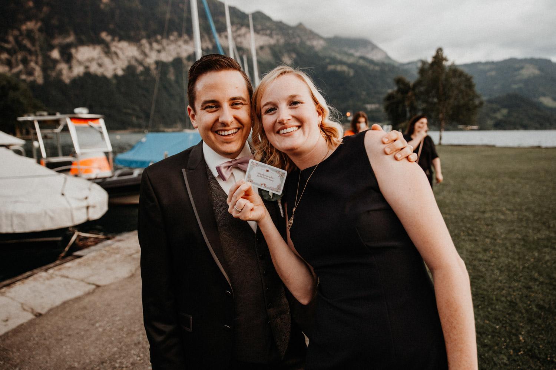 Hochzeitsfotografin Bern Schweiz Interlaken Hochzeitsgäste Hotel Neuhaus Unterseen
