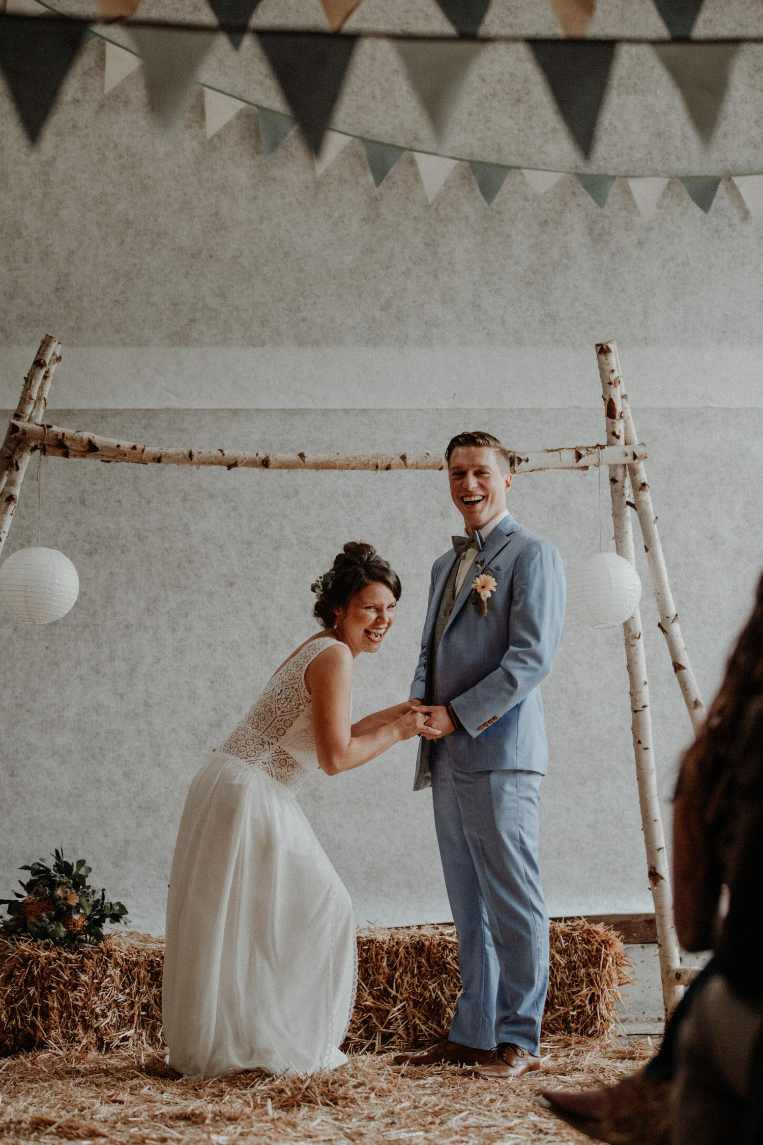 Industrial Vintage Hochzeit in Basel Hochzeitsfotografin Schweiz Hof Hoggen Reigoldswil Bauernhofhochzeit Freie Trauung