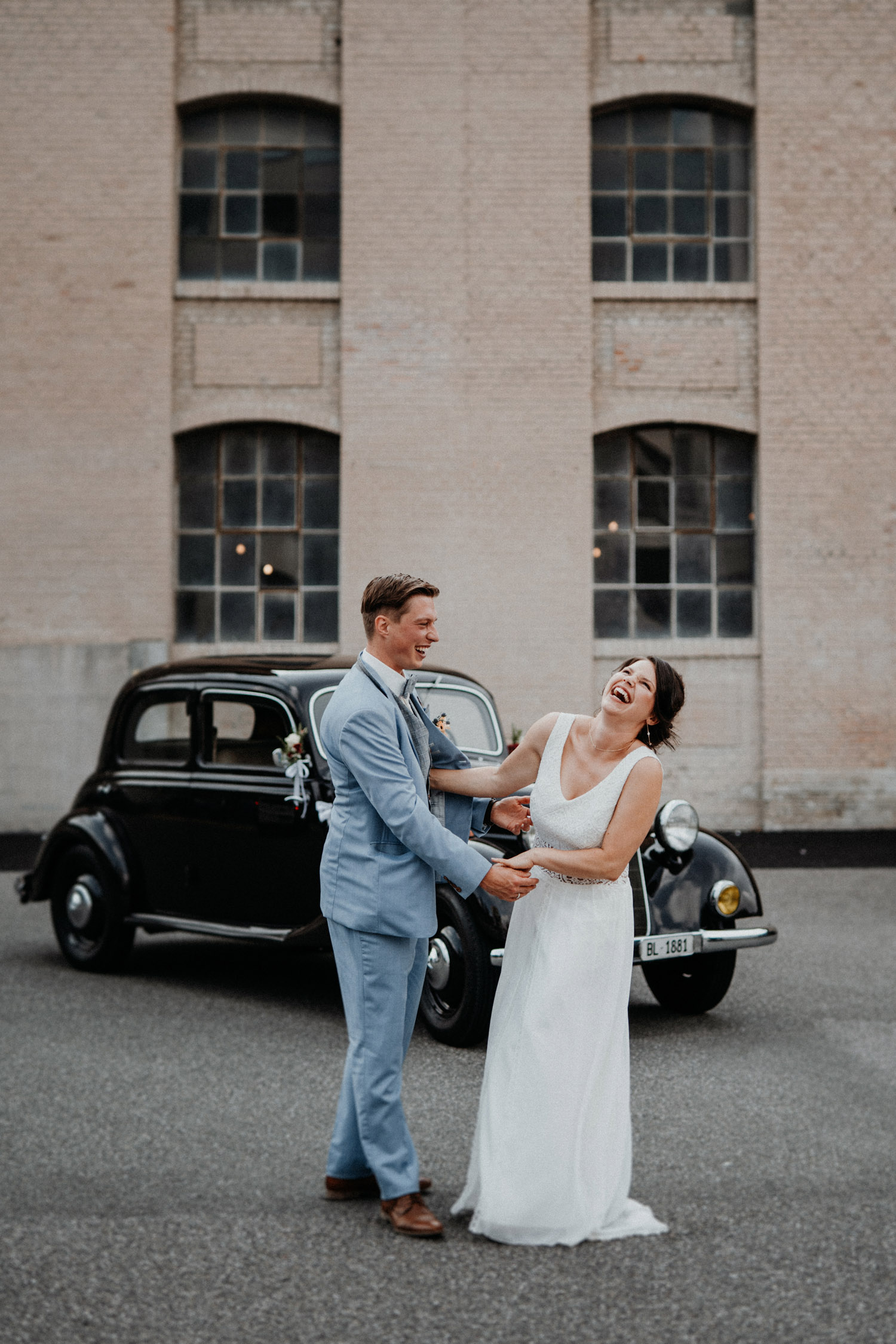 Vintage Industrial Bohemian Wedding in Switzerland wedding photographer elopement photographer location Tonwerk Lausen bridal couple shooting oldtimer car