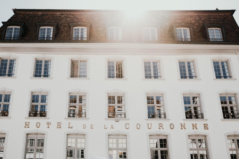 Hochzeitsfotograf in der St.Ursen-Kathedrale Solothurn Schweiz freie Trauung Altstadt natürliche Hochzeitsfotografie Hotel La Couronne