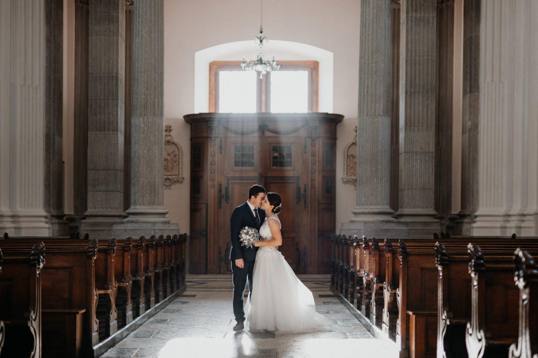 wedding photographer in St. Ursus Cathedral Solothurn Switzerland documentary style Swiss wedding photographer couple shoot portraits